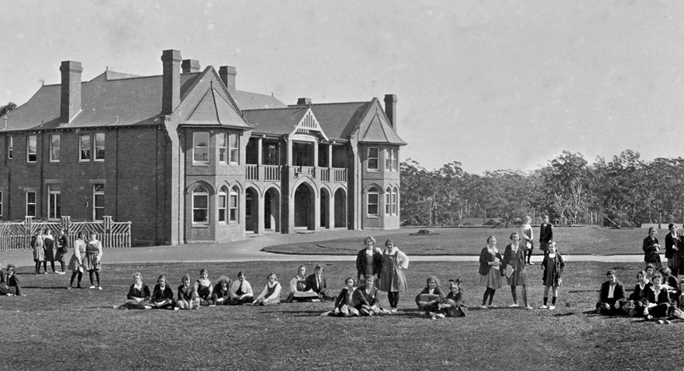 Boarders in front of Lang House